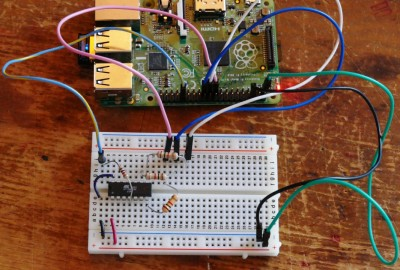 AVR Programmer on Breadboard